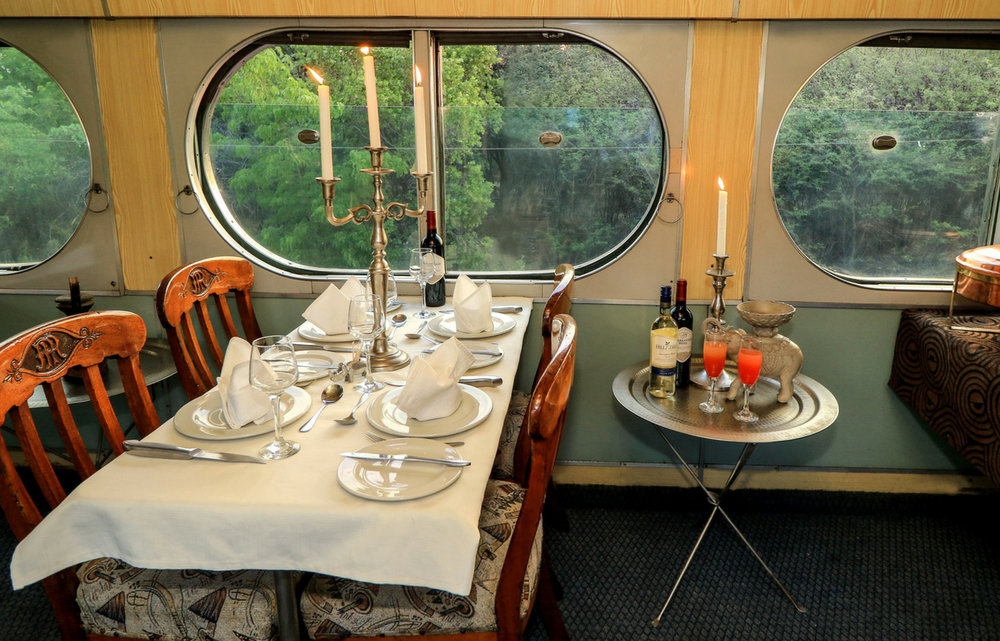 imvelo-stimela-star-sleeper-train-dinner-victoria-falls-hwange.jpg