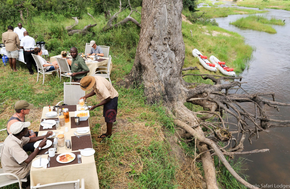 32e - Imvelo - Zambezi Sands - bush brunch.jpg
