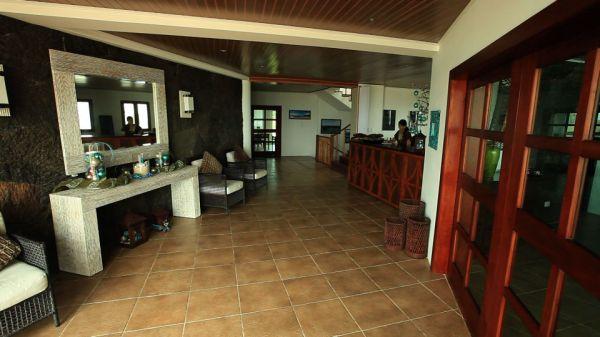 iguana-crossing-entrada-recepcion.jpg