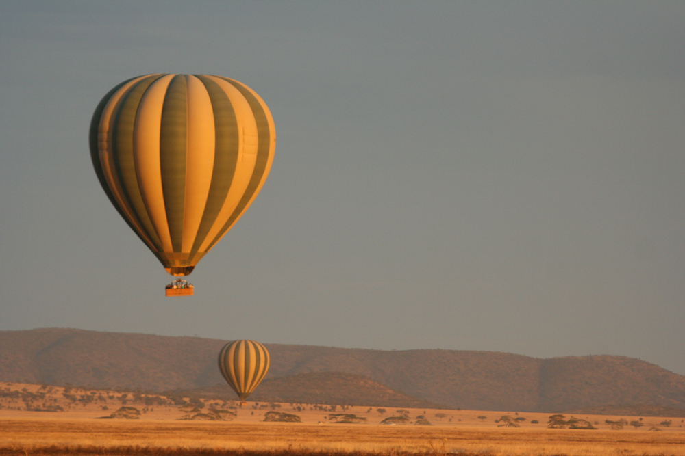 sunrise-balloon-safari-serengeti.jpg