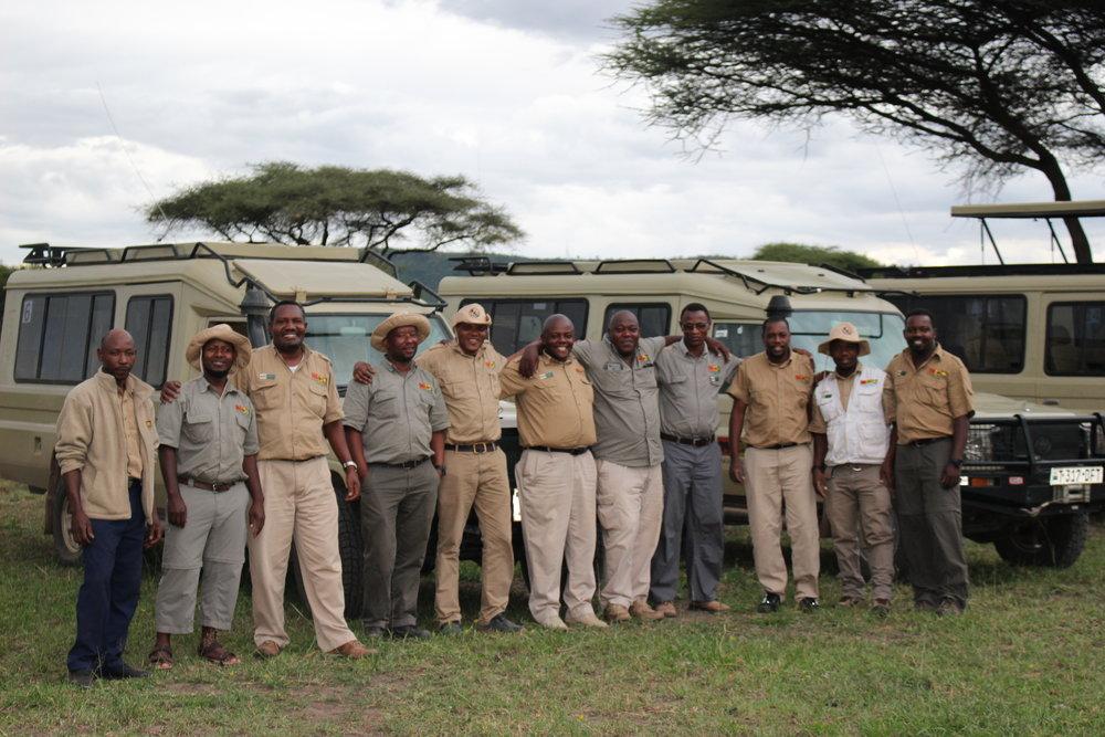 Group Photo Serengeti.JPG