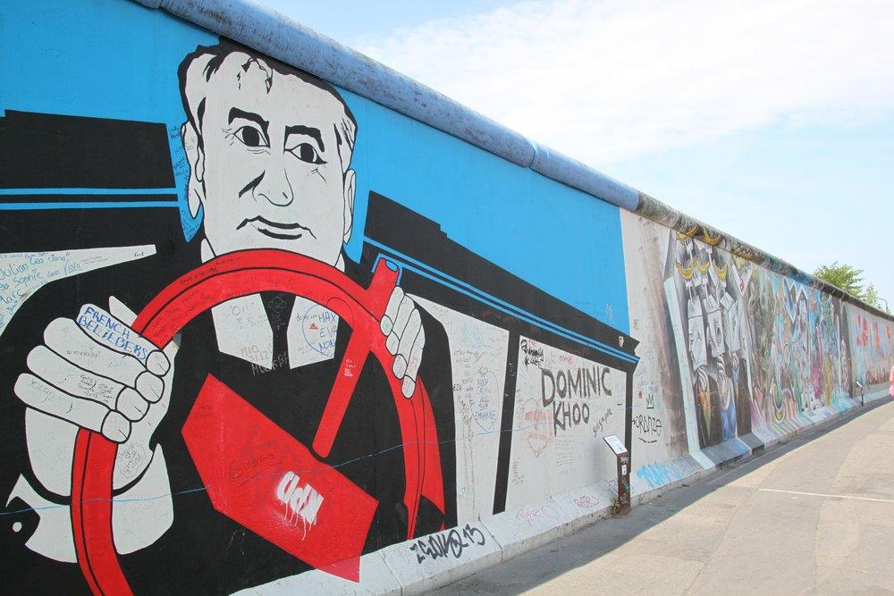 berlin-wall-263586_1920.jpg