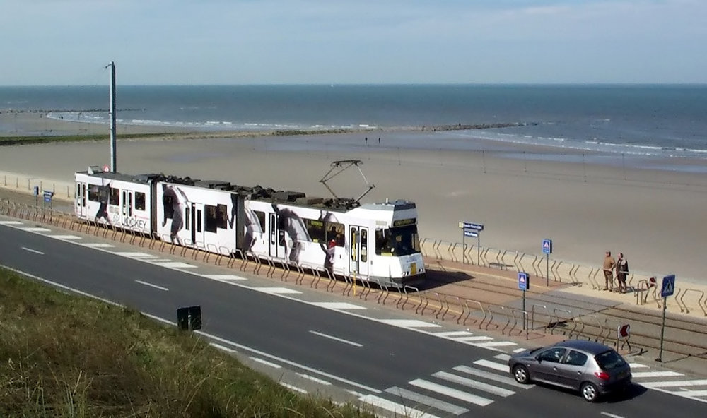 Mala obala - Ali zato najduža tramvajska šina uz obalu.