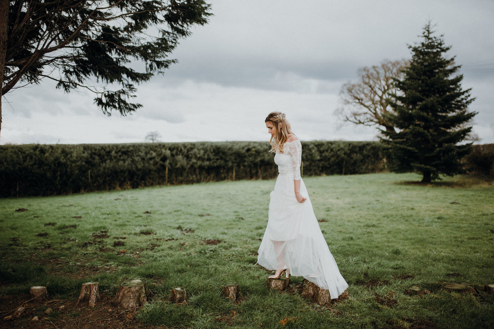 Wilderness Bride - A Wilderness Bride is informal, whimsical and chic. Natural and timeless.