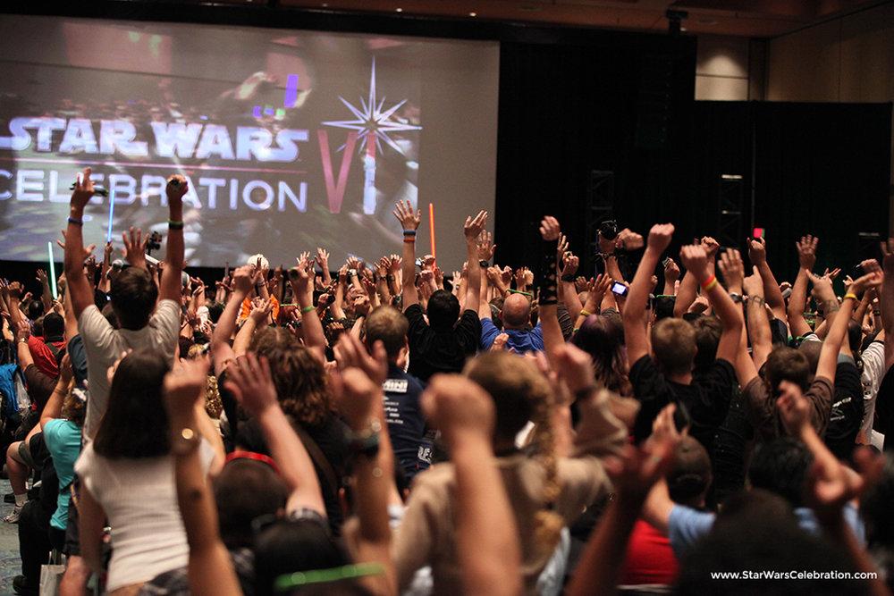 Star-Wars-Celebration-Crowd2.jpg