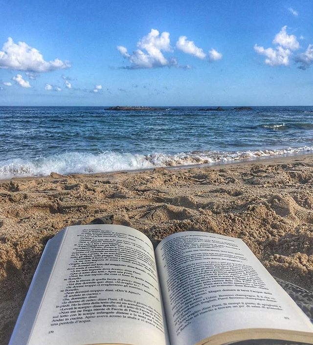 If you want to be powerful, educate yourself! . . . . Repost @the_joy_of_books ・・・ . . . . . . #cozybook repost @libriamociblog  #books #bookworm #chooseabook #booksofig #bookonthebeach #read #reader #readers #bookstagram #booksofinsta #beachbum #beachchic #beautifultravel #beachesandnature #readingnook #besttravelpics #beachlandscape #playas #traveldeeper #travelwithlove #nomadness #relaxtime😎 #unwind #traveltheworld #bestlife