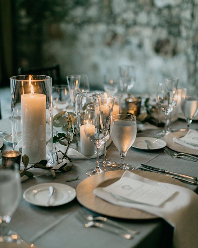 Understated + elegant tablescape details from a wedding this past summer with @floressenceflowers @alisetaggart @classiceventrental @latavolalinen_____// . . . . #documentaryweddingphotographer #loveintentionally #belovedstories  #intimatewedding #chasinglight #moodytones #instaweddings #loveandwildhearts #wildlove #wedphotoinspiration #adventurouswedding  #meaningfulwedding #unconventionaltogs #humanconnectionsstories #nootherlove  #ashevilleweddingphotographer #ncweddingphotographer #ashevillefolk #avlweddings  #destinationweddingphotographer #personalizedwedding #weddingdetails #northcarolinawedding #montreatwedding #tablescapestyling #weddingstyling #elegantwedding
