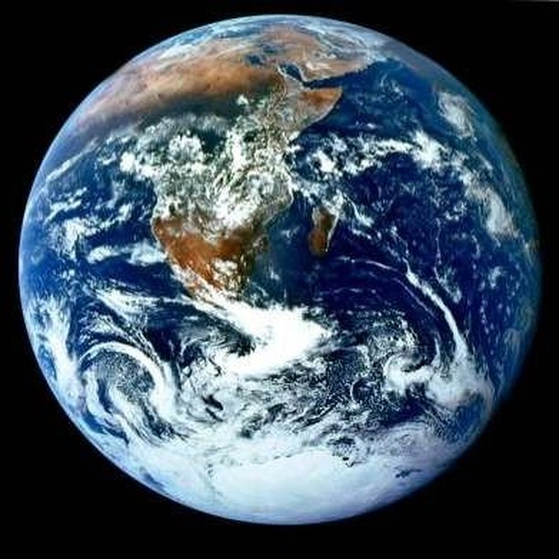 Our spinning blue planet 🌍