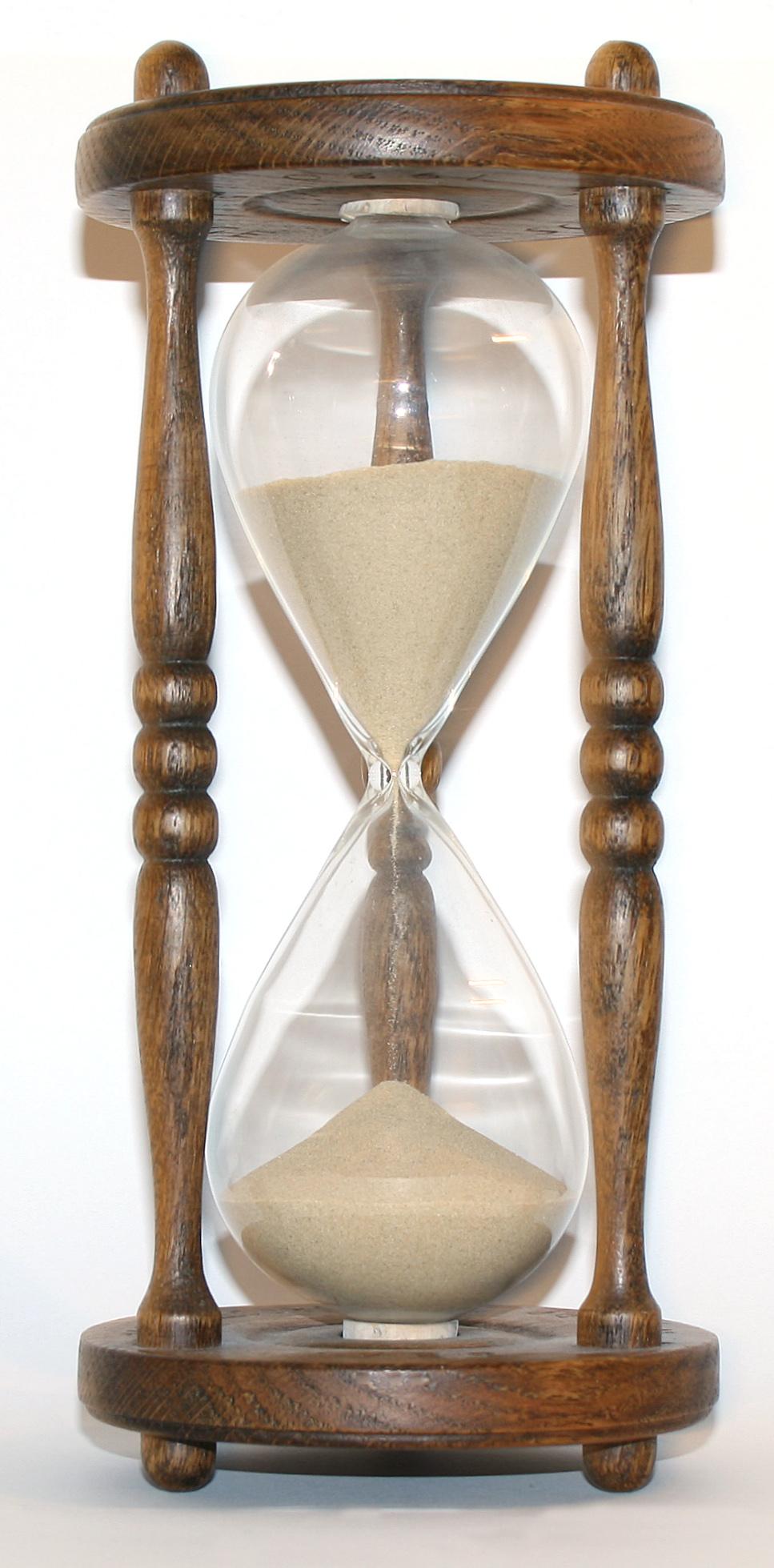 Wooden_hourglass_3.jpg