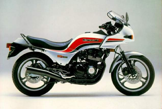 My GPZ550 was exactly the same as this one. It was stolen the first night it was parked out on the street in Jersey City.