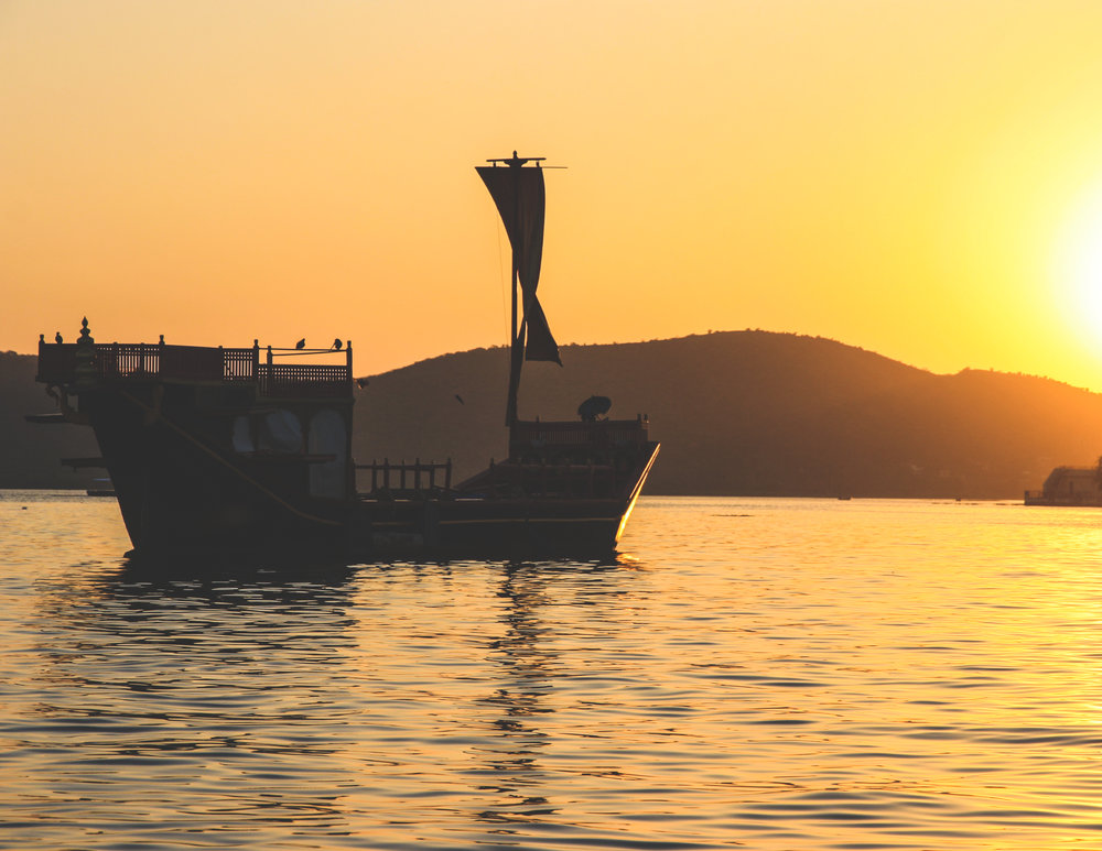 Sunset boat tour at Udaipur