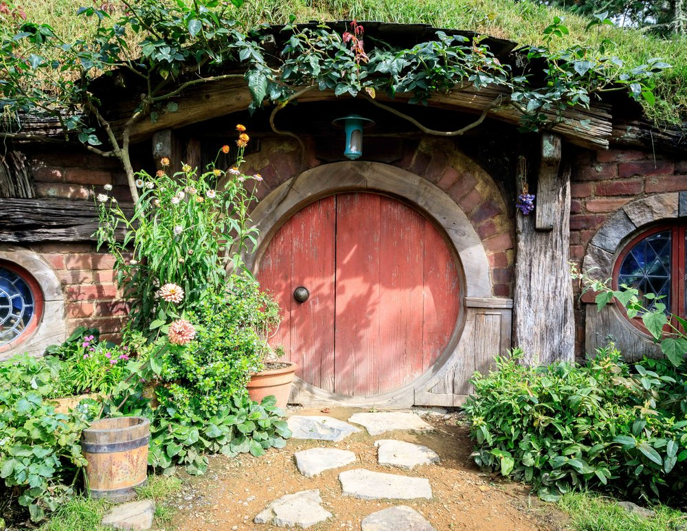 Hobbit Hole in Hobbiton, New Zealand