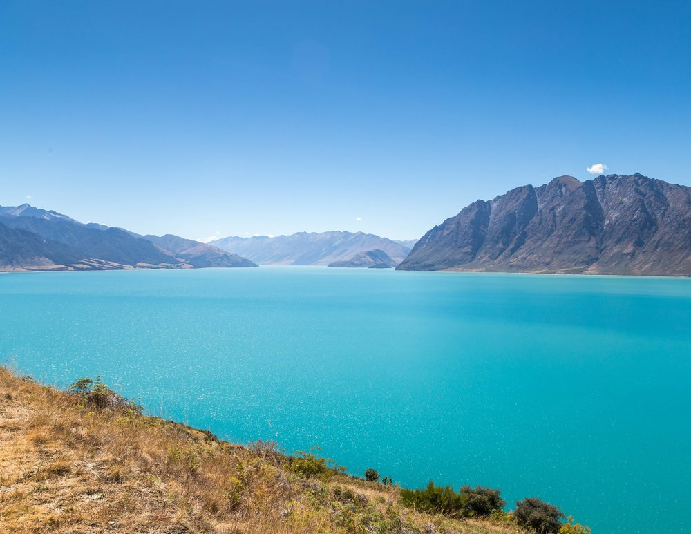 The stunning blues of Lake Hawea