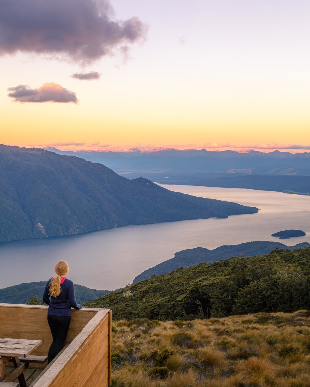 Instagrammable spots of New Zealand: Luxmore Hut on the Kepler Track