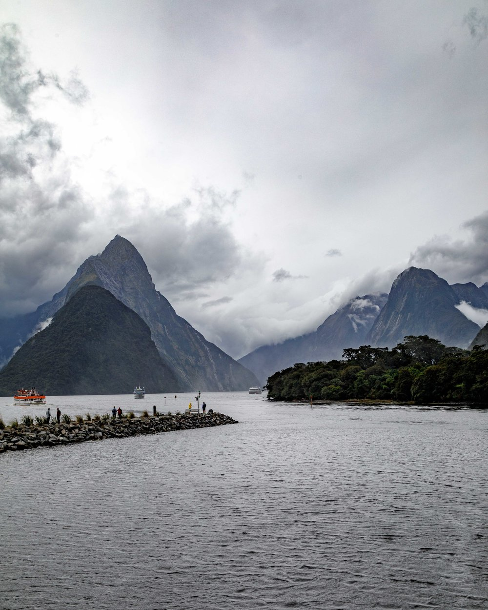 Instagrammable spots in New Zealand: Milford Sound