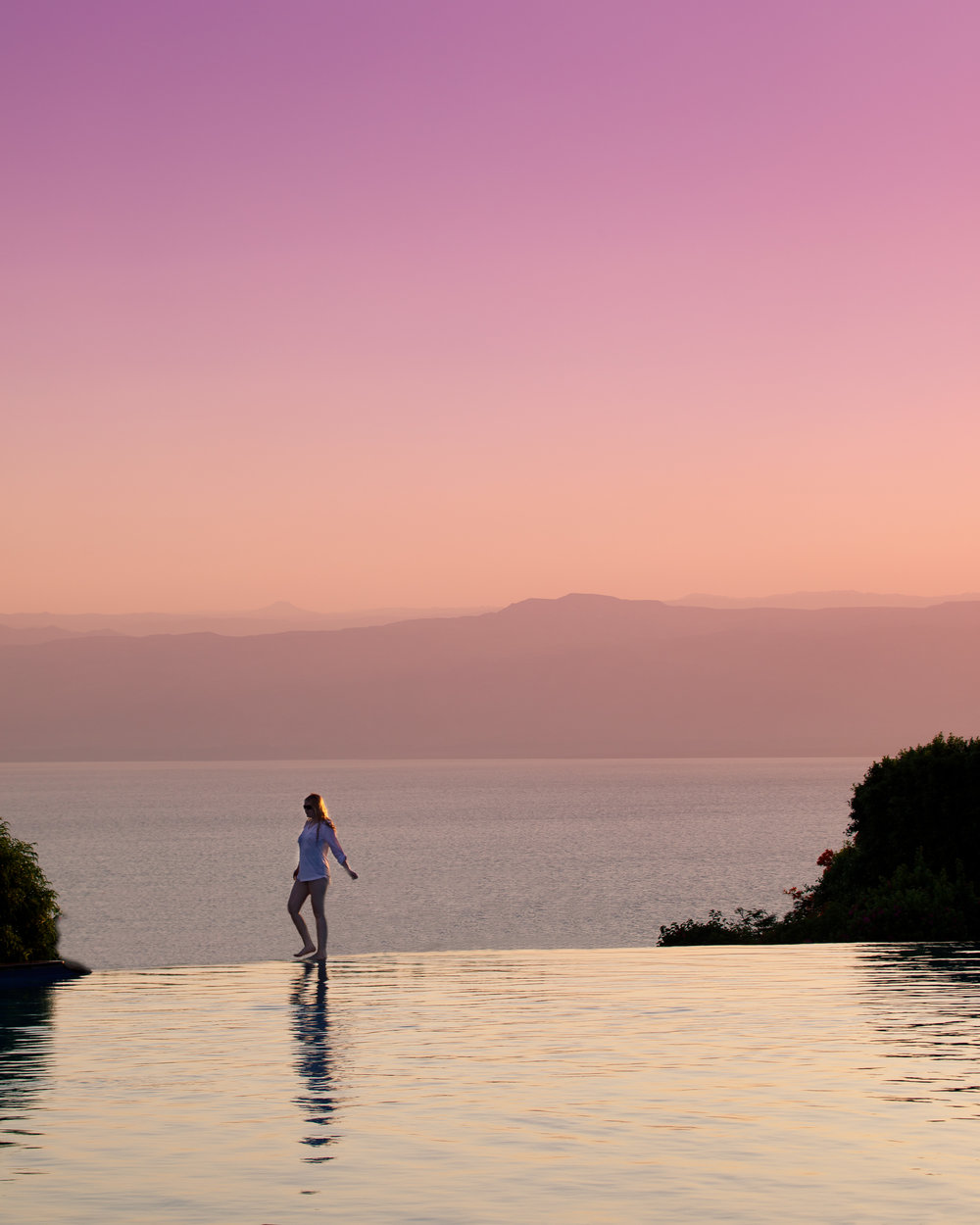 The first of two stunning infinity pools at the Movenpick