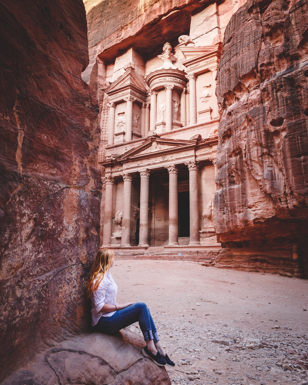 Instagrammable spots in Jordan - The ledge by the Treasury, Petra