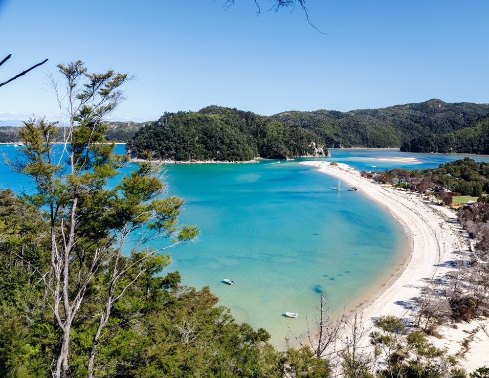 The Great Walks of New Zealand with the best beaches: Abel Tasman