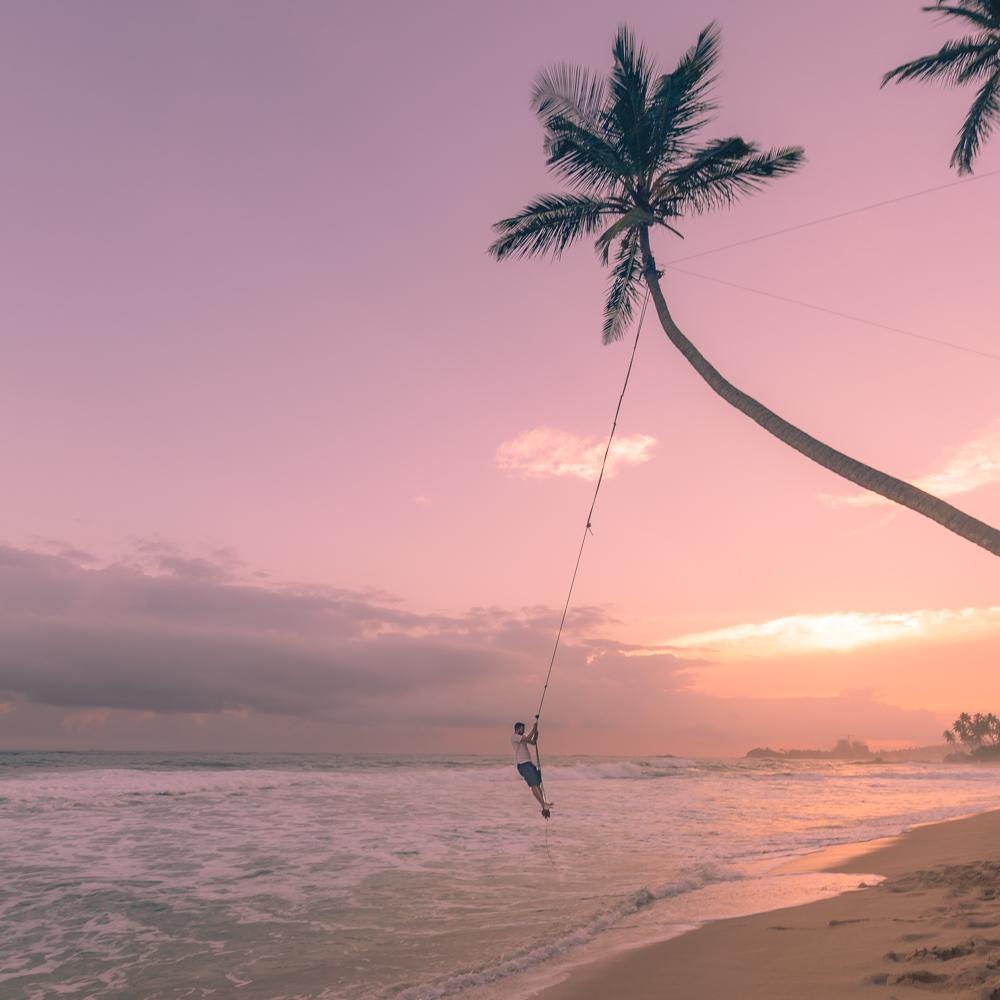 Best things to do in Unawatuna: the rope swing at Wijaya Beach