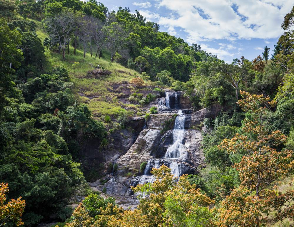 Diyaluma Falls from the top