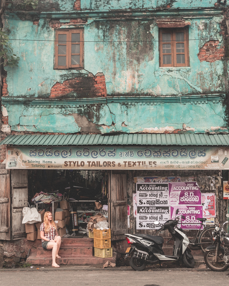 Instagrammable Sri Lanka - Crumbling shop in Galle