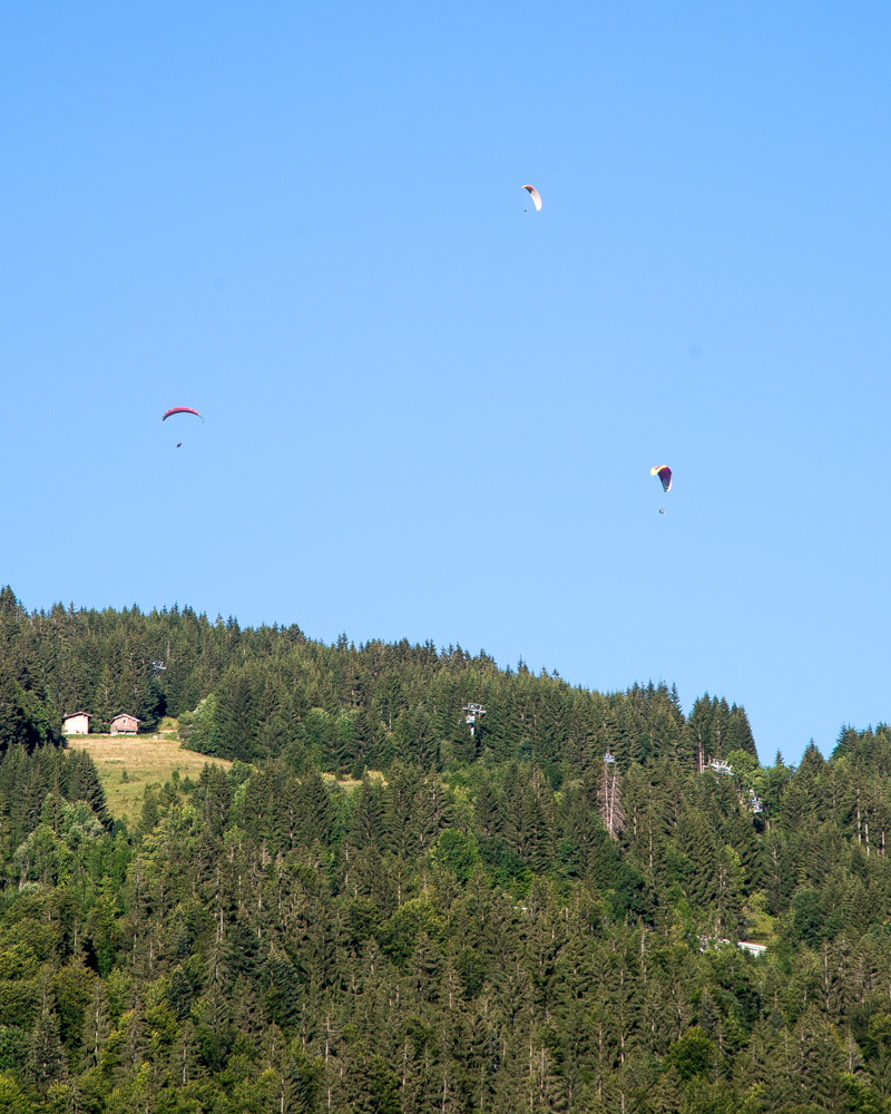 Fun things to do in Morzine in the summer - Paragliding