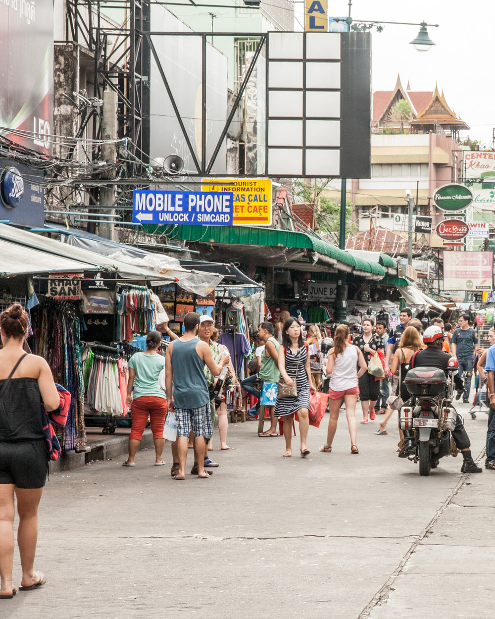 3 day Bangkok Itinerary - Khao San Road