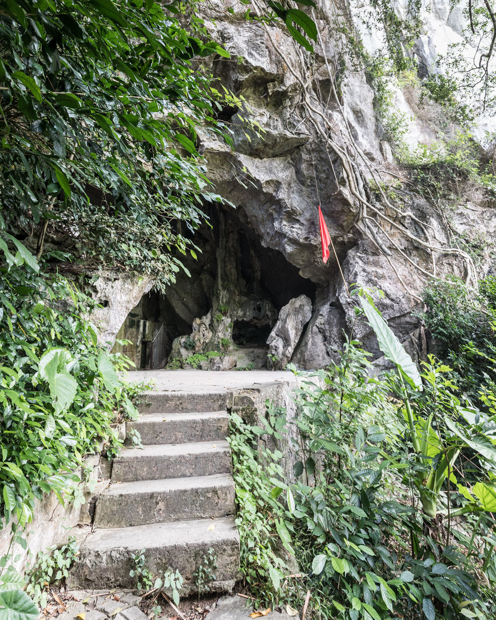 Things to do on Cat Ba Island - Hospital Cave