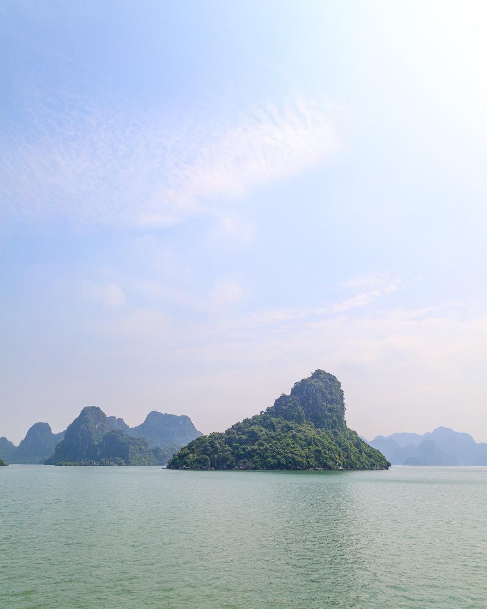 Cat Ba ferry from Dao Tuan Chan