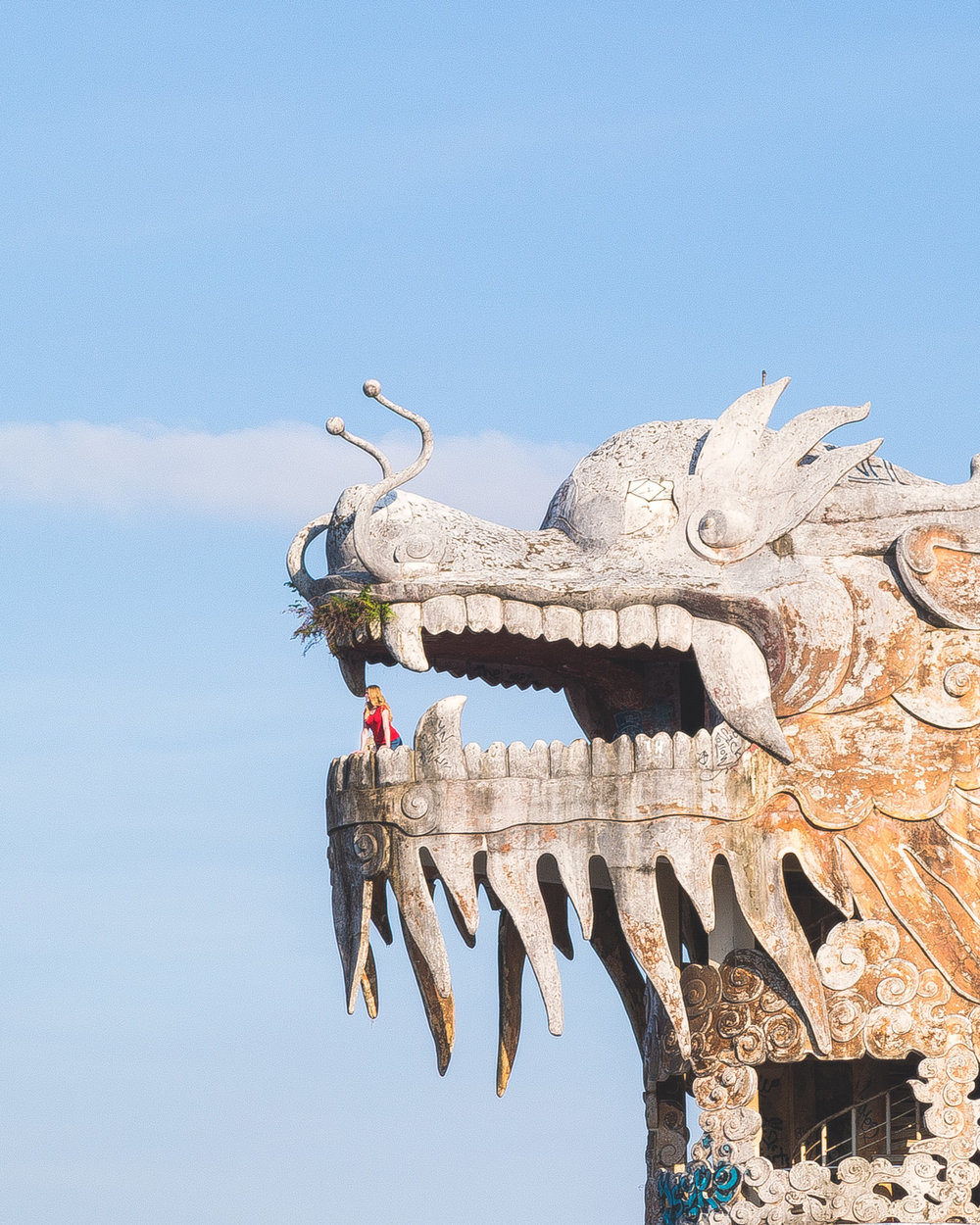 The abandoned water park in Hue - The dragon