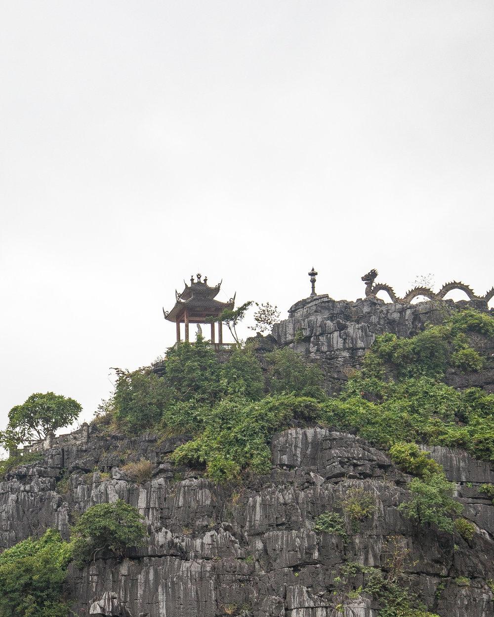 Lying Dragon Mountain - Mua Caves