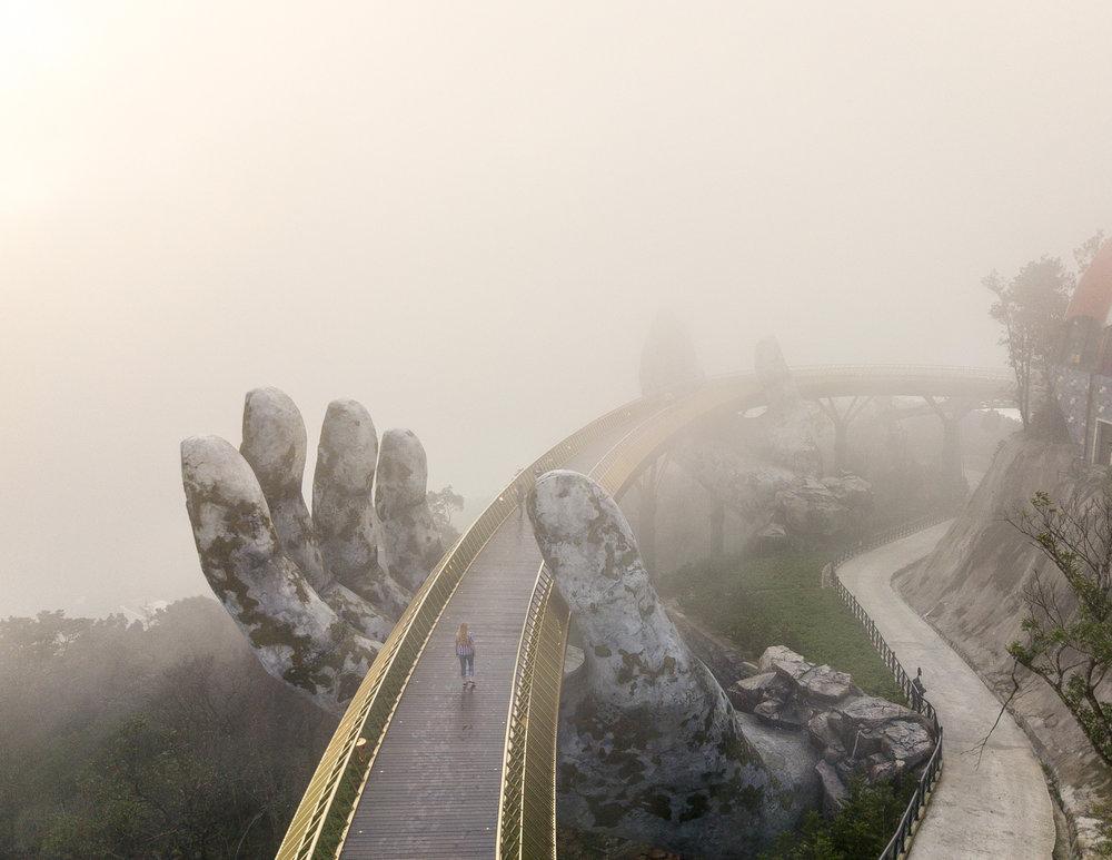 Golden Bridge Ba Na Hills, Vietnam