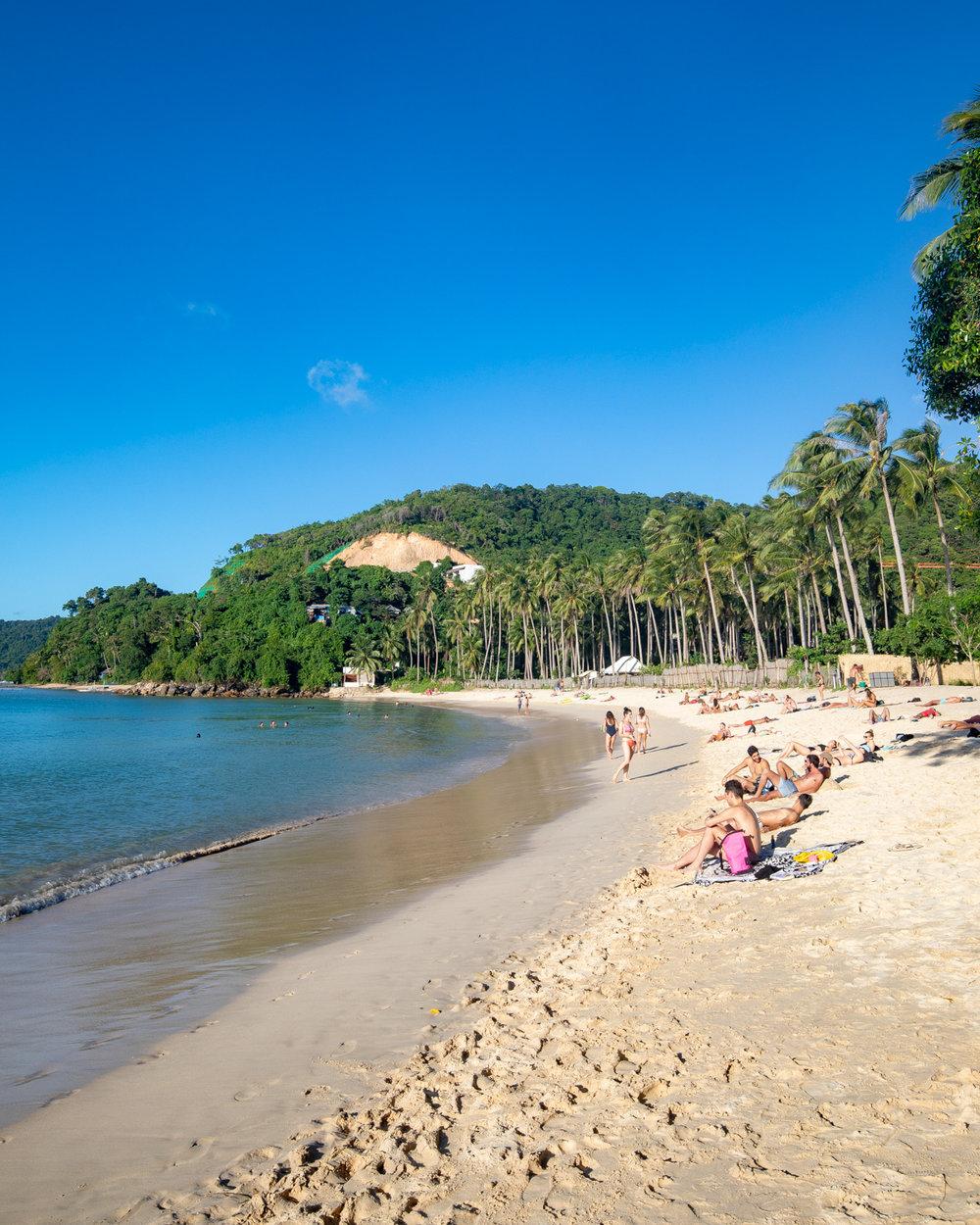 Merrimegmeg Beach in El Nido, Palawan