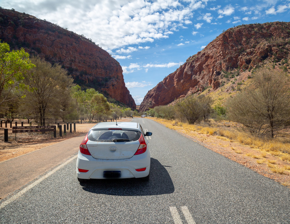 Road trip in the Outback - Alice Springs to Uluru