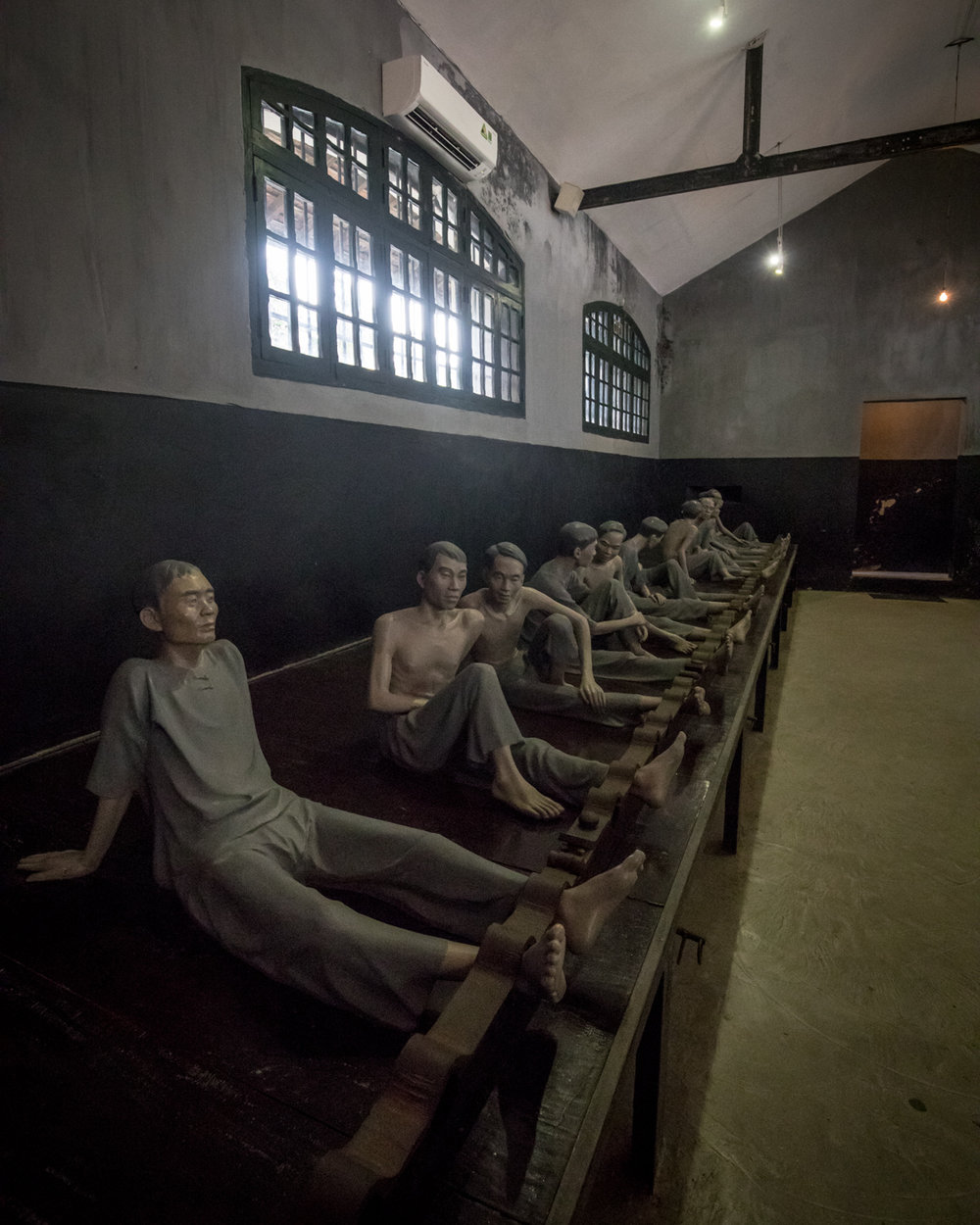 The Vietnamese prisoners of Hoa Lo under French rule.