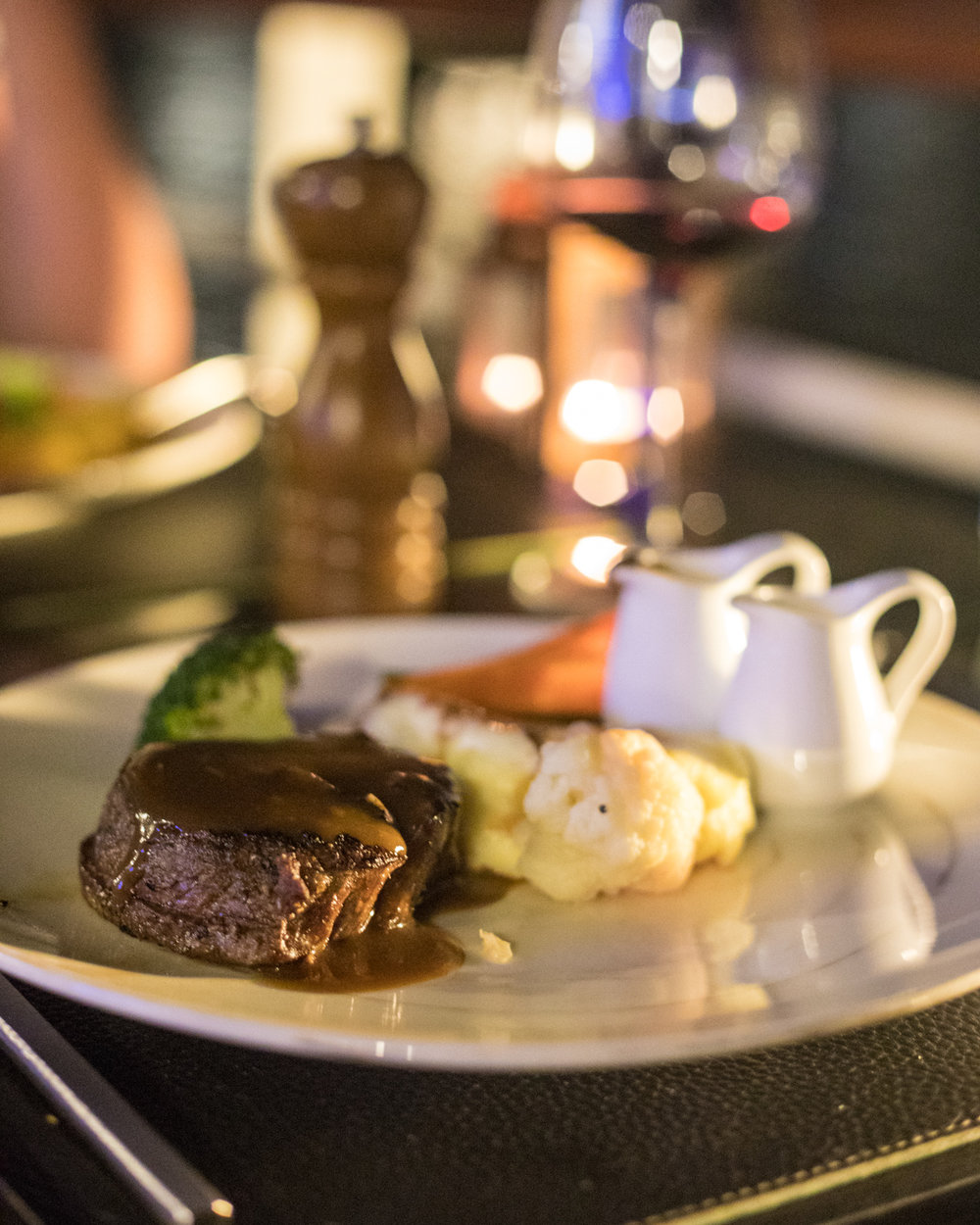 Dinner on Paradise Elegance