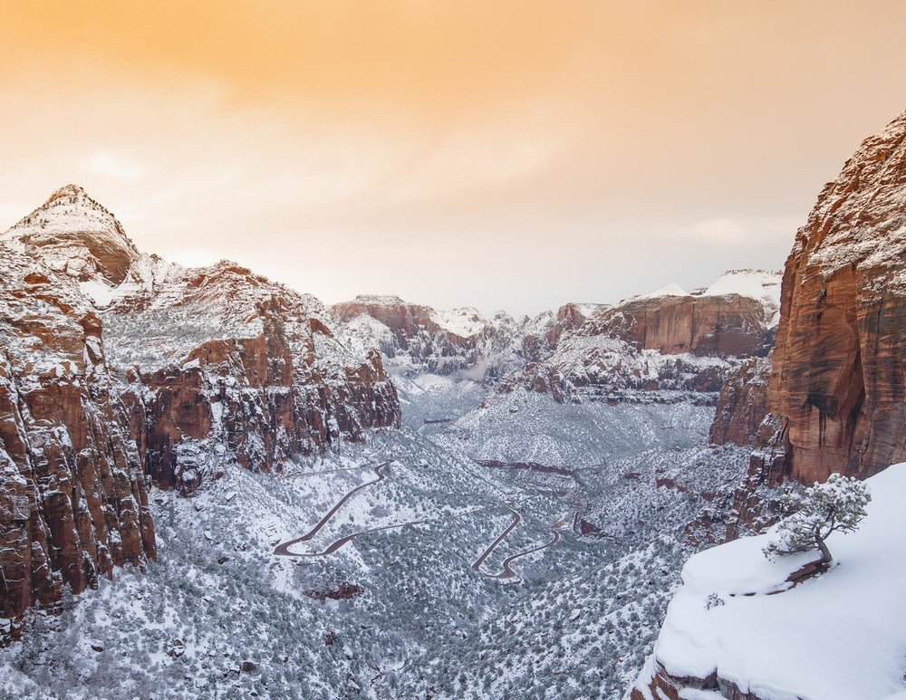 The view from Canyon Overlook looking stunning under the snow