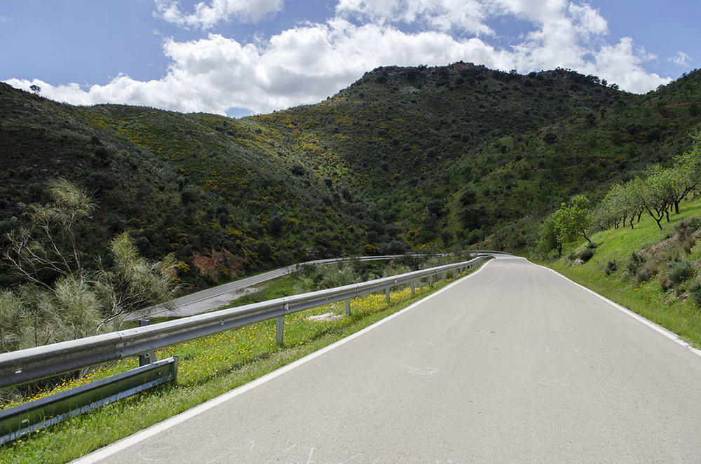 almogia scenary hairpin curve.jpg