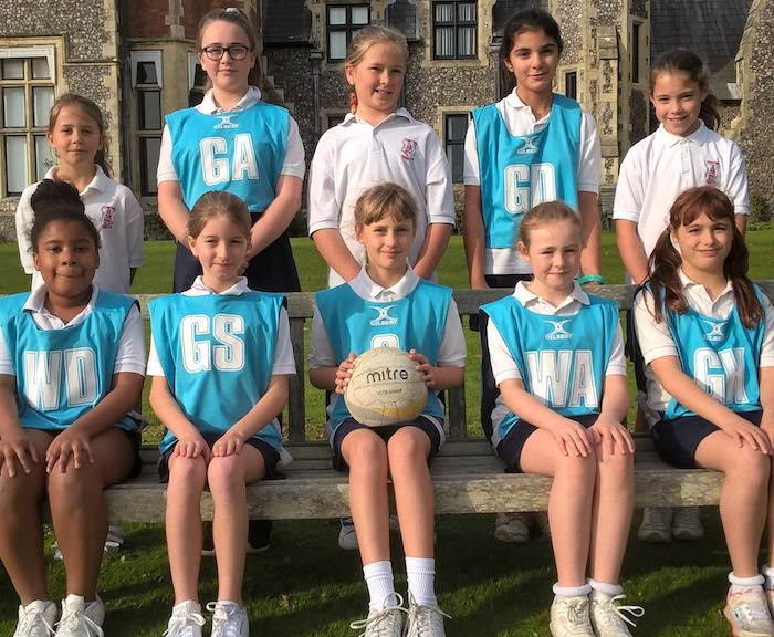 sompting abbotts girls' netball team