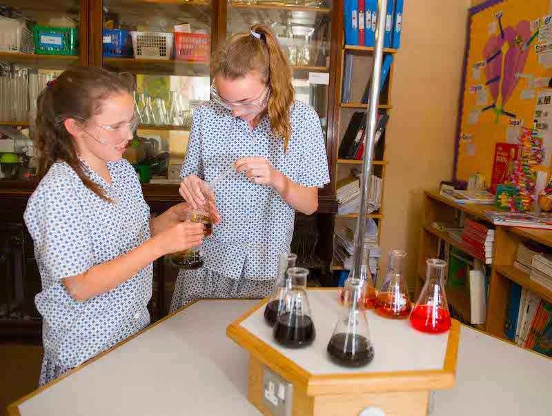 academic scholarships are available at sompting abbotts preparatory school in west sussex