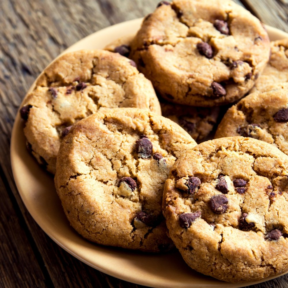 Afternoon Snack Mountain bike or ski all day and return at 3pm to a plate of warm fresh-baked chocolate chip cookies, brownies, or other baked goods at the Lodge. Warm up with coffee, tea, or hot chocolate 24/7. *Included