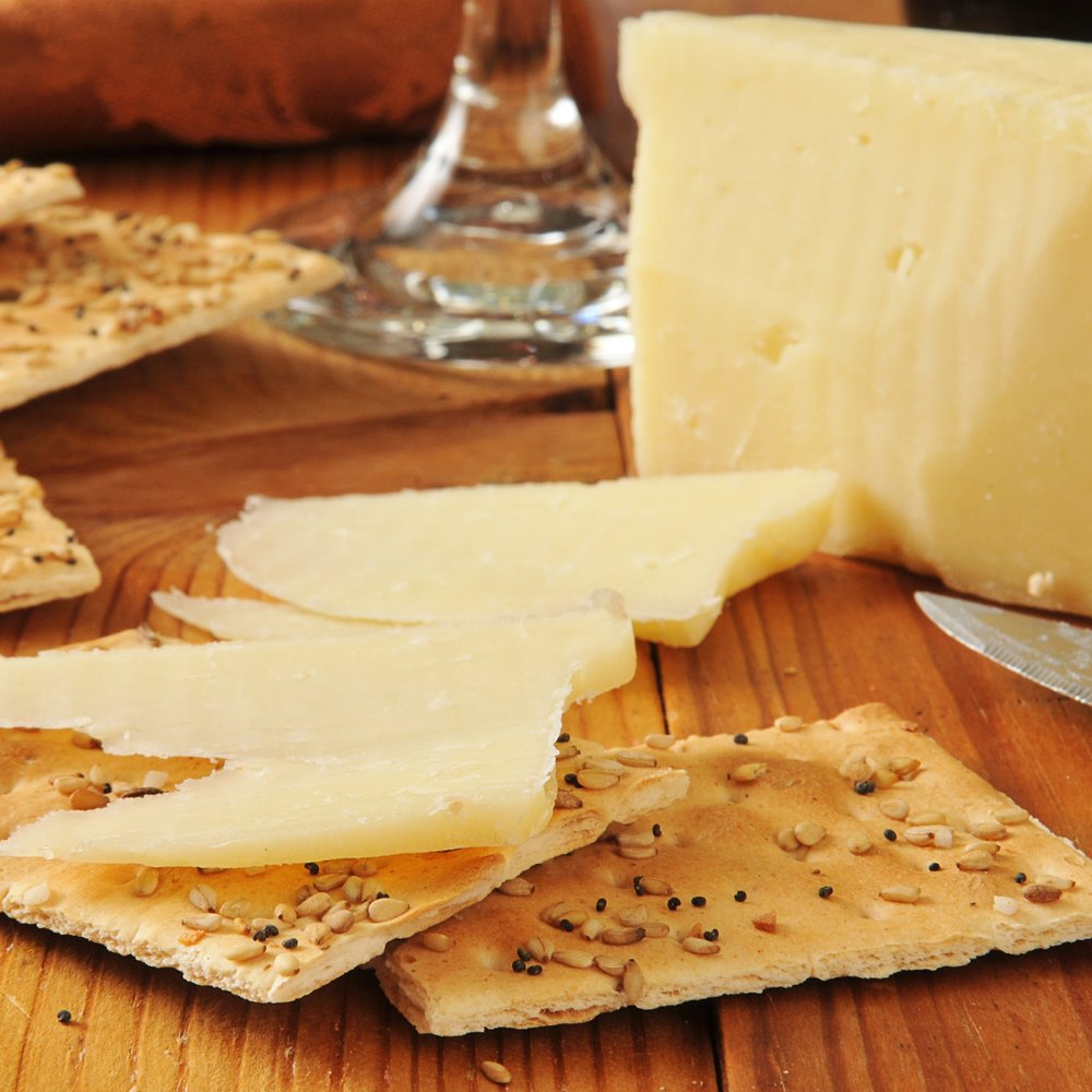 Vermont Artisan Cheeses & Crackers Taste local Vermont cheeses and crackers every day at 5pm. Enjoy the tangy flavor of Vermont cheddar and other cheeses on our crunchy crackers.  *Included