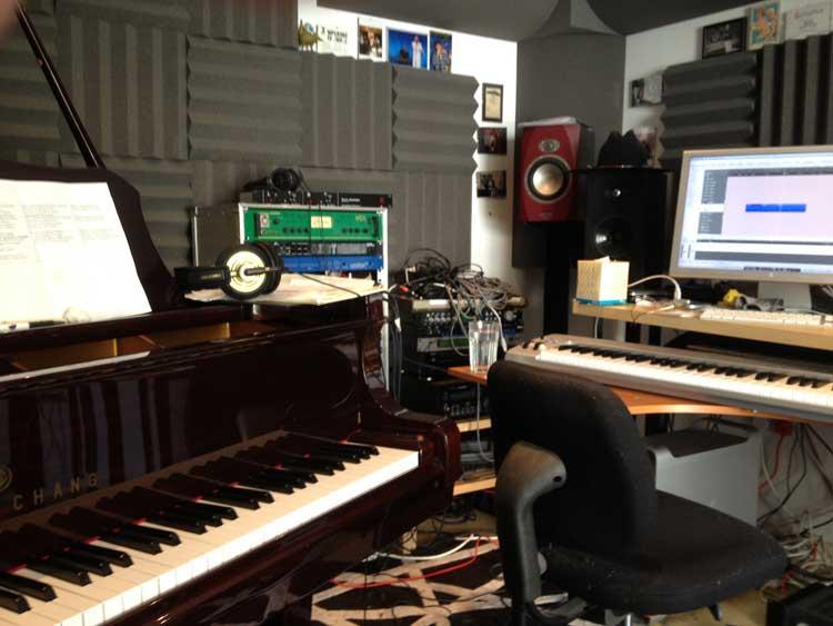 studio corner 3
