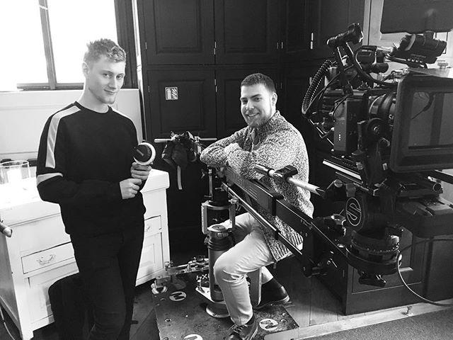 Zase ti dva 😱😁 ____________ #setlife #cinematographer #cameraassistant #directorofphotography #filmmaking #commercial #redcamera #redhelium #jib #histogramfilms