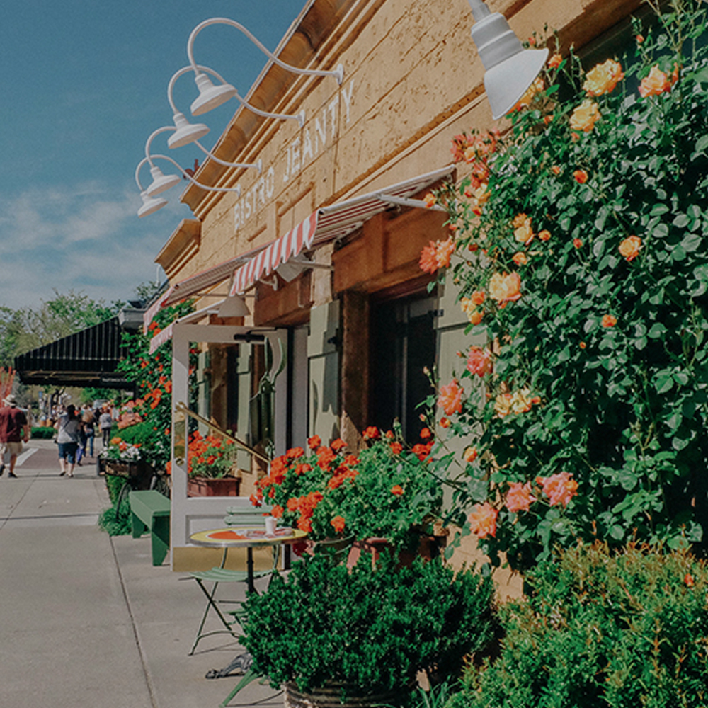 YOUNTVILLE<strong>Known for its world-famous restaurant scene, walkable Yountville also serves up boutiques, art galleries, antique stores, geothermal spas, and charming inns.</strong>