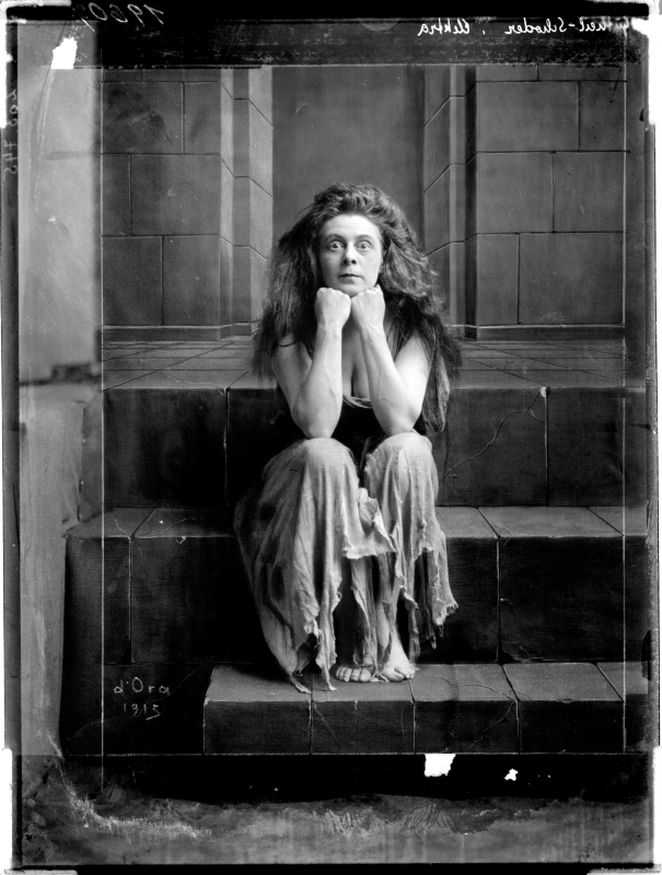 Gutheil-Schoder as Elektra, 1915 photo by Madame d'Ora