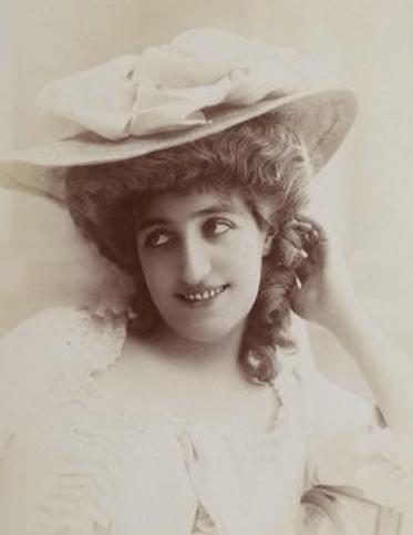 Marié de L'isle as Charlotte