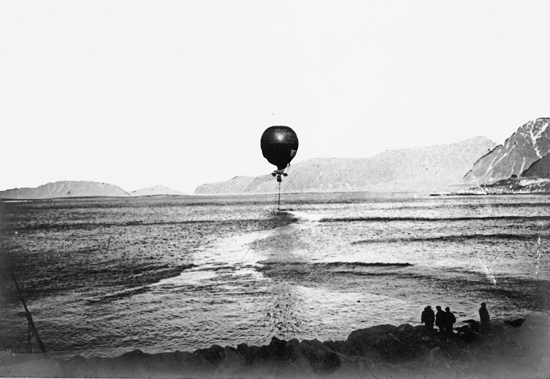 S.A. Andreé's  balloon, the Eagle, departing from Virgohamna in 1897.