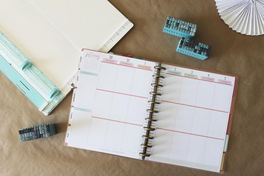 A create 365 calendar.