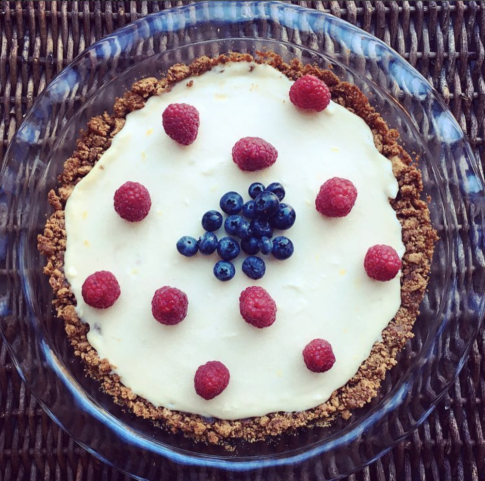 berry-ginger cheesecake